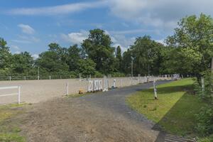 Jízdárna a jezdecký klub na Ctěnickém zámku